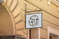 欧式铁牌店铺外的吊牌标志展示样机