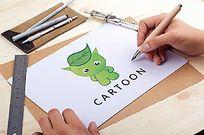 绿色卡通精灵设计 AI