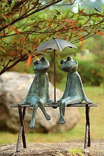 青蛙雕塑 JPG