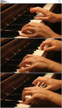 弹钢琴实拍视频素材