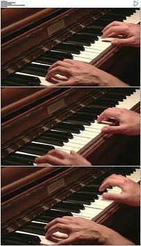双手弹钢琴实拍视频素材