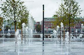 旱喷广场上的喷泉