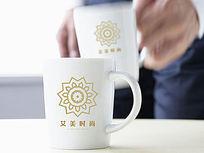 金色花纹时尚logo