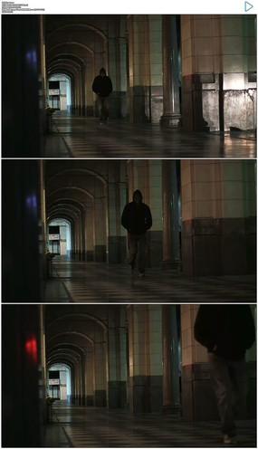 街道过道行走实拍视频素材 mov