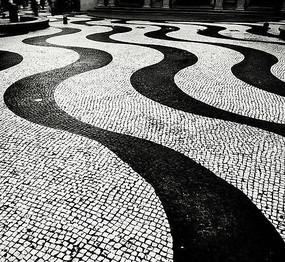 黑白小广场砖铺装图片