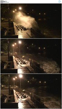 暴风海浪冲上岸边实拍视频素材