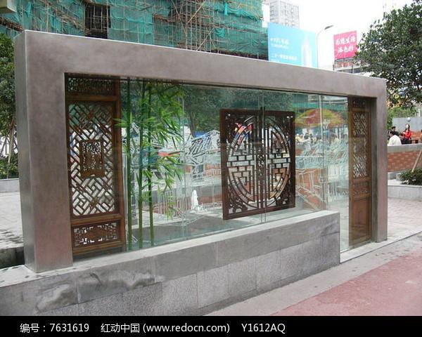 中式扇窗图案景墙