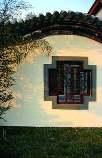 中式特色围墙窗框景观 JPG