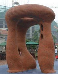 广场红砖公共雕塑 JPG