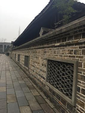 民国风情街特色围墙
