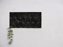 长方形花纹窗户