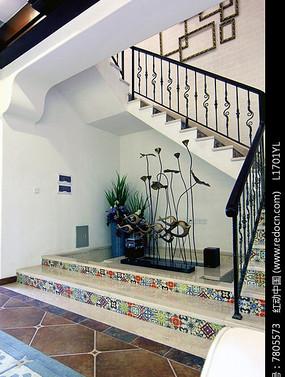 楼梯转角处装饰品