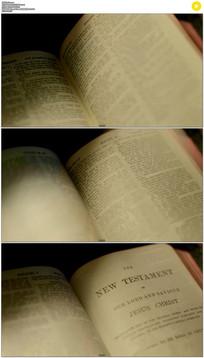 翻书看书实拍视频素材