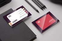 紫红色简约时尚名片设计模板