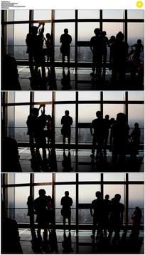 站在高处看城市实拍视频素材