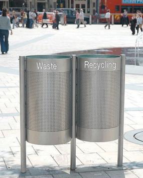 广场不锈钢垃圾桶 JPG