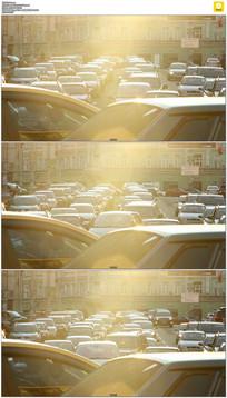早晨交通拥堵实拍视频素材