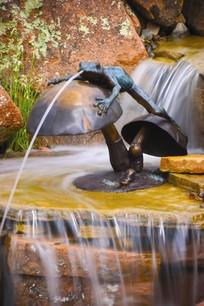 青蛙雕塑喷水水景小品 JPG