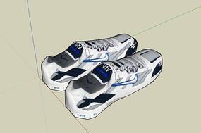 白色运动鞋
