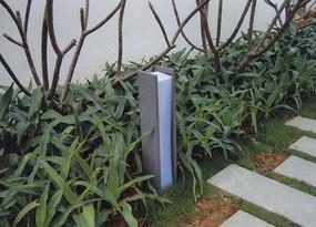 现代极简草坪灯柱
