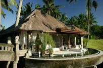 度假别墅建筑庭院