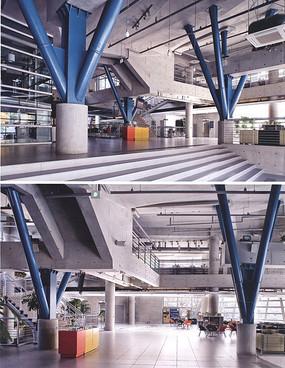 现代工业风办公空间 JPG