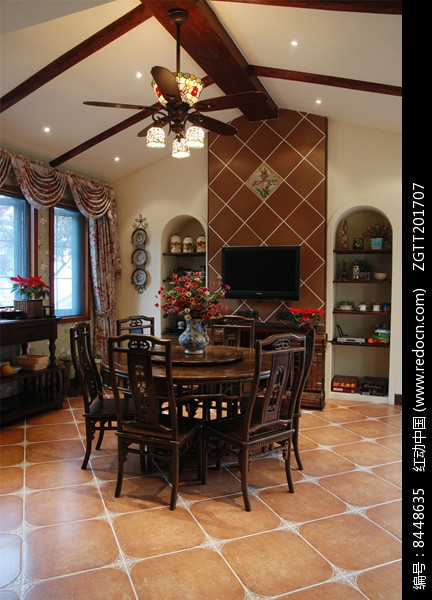 东南亚别墅室内餐厅设计图片