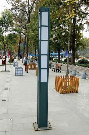 简洁矩形灯柱