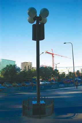 路边直柱灯具