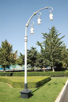 欧式铁艺白色街灯