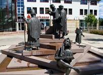 人物雕塑意向图