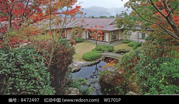 日式庭院水池图片