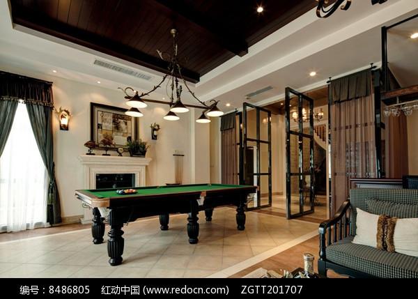 现代别墅室内台球桌图片