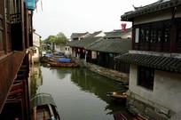 周庄乌篷船景观