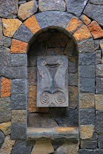 墙洞图腾装饰小品
