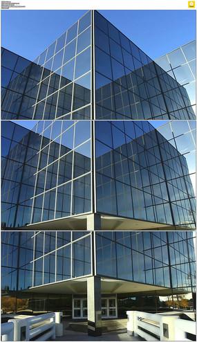 蓝天下的商业大楼实拍视频素材 mov