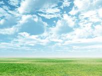 浅蓝色天空草原