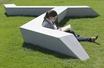草坪坐凳意向图 JPG