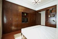 卧室定制一体式衣柜