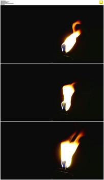 摆动的火苗实拍视频素材