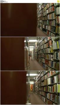 图书馆书架实拍视频素材