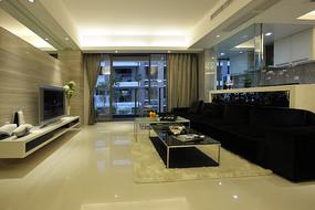 黑色和淡黄色完美结合的客厅