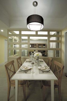 灰色原木风餐厅