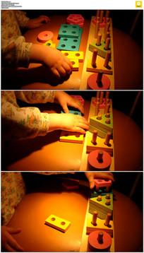 小孩玩积木实拍视频素材