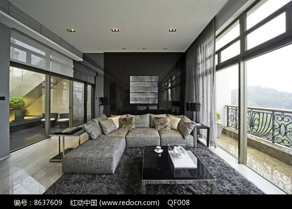 冷色调现代客厅设计图片