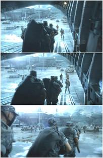 部队特种兵从运输机上跑下视频