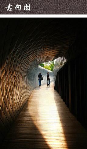 木栈道构筑景观