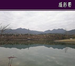 某酒店湖景