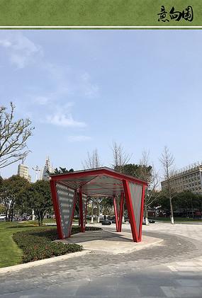 红色景观廊架