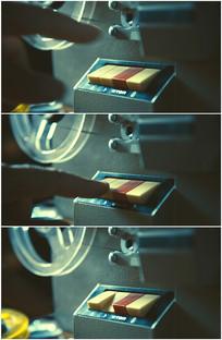 用手按下老式复古按钮开关视频
